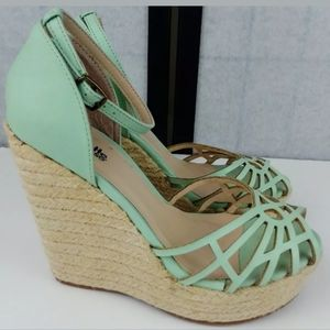 ♻️Mint Green Wedge Sandals Size 7